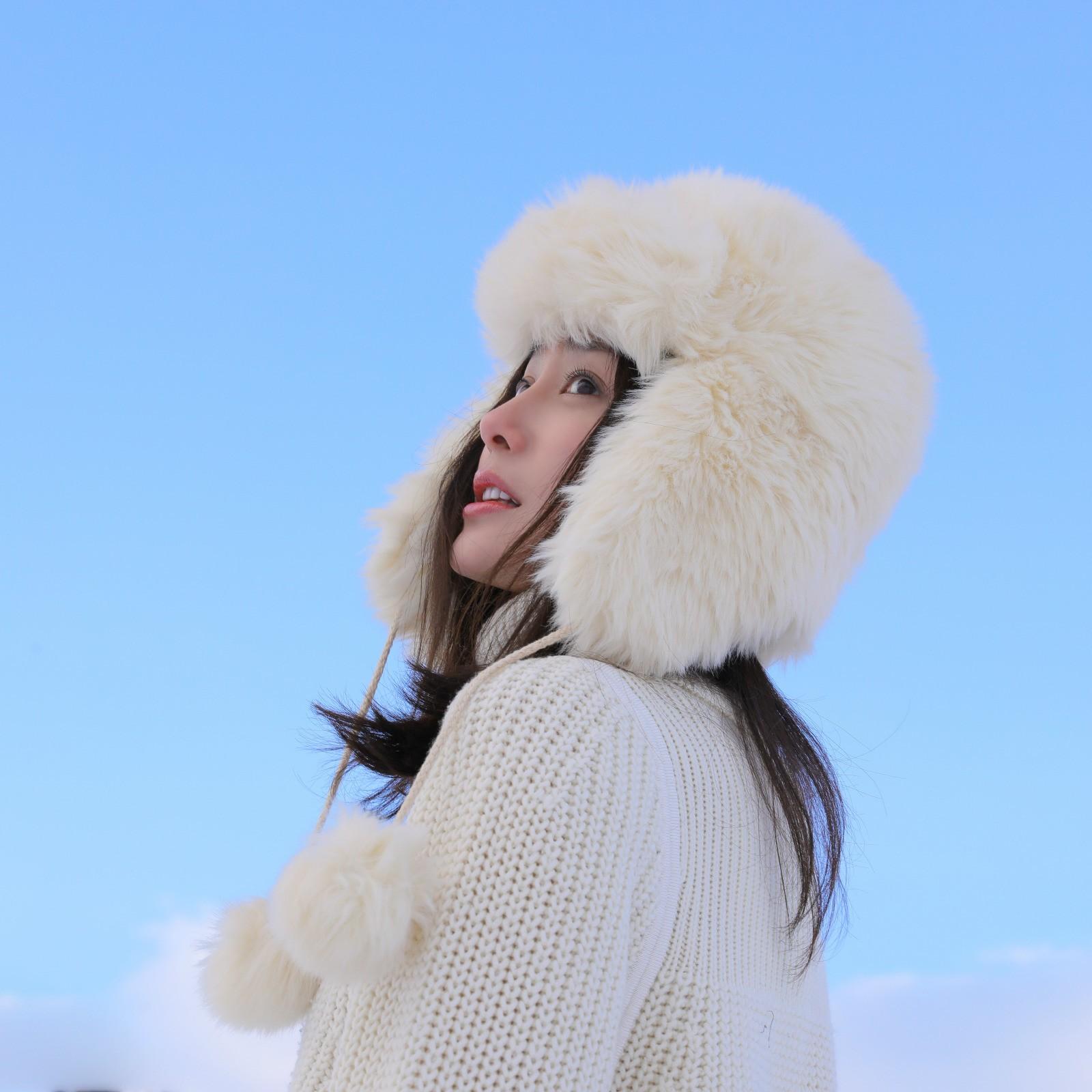 秦岚上传冬季写真美照笑容却堪比春日暖阳