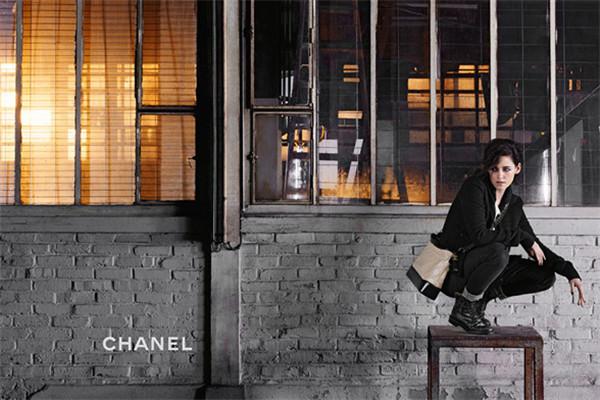 香奈儿推新季Gabrielle系列包包 完美呈现功能性设计