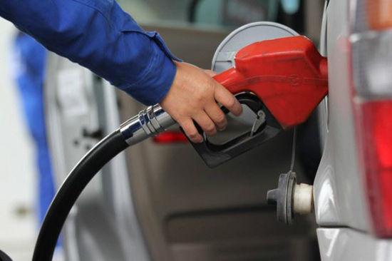 油价迎年内最大降幅!明起加1箱油省10元