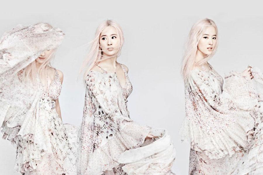 """刘亦菲 以""""奶奶灰""""发色拍摄大片,变身二次元少女美艳动人"""