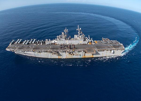 美媒称美军舰访问香港被中国拒绝 我外交部回应
